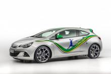 För riktiga fotbollsfans: Ny Special Edition Opel Astra Copacabana