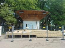 K-rauta hjälper till att renovera sliten scen i Linköping