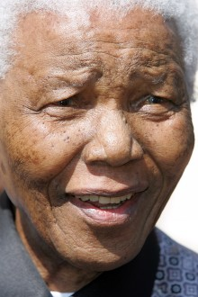 Candlelight gathering to commemorate Nelson Mandela