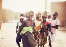 Ögonvittnesskildring från statskuppen i Mali vid Barnfondens vernissage