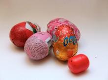 Sveriges Konsumenter slår larm inför påsken: Chokladägg kan vara livsfarliga för barn