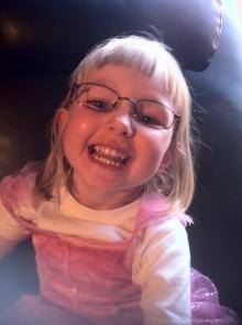 1 000 barn har hittills fått gratis glasögon – Smarteyes fortsätter rättvisans resa