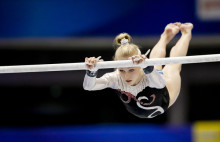 Fin VM-debut för Sveriges två talangfulla gymnaster Jonna Adlerteg och Ida Gustafsson