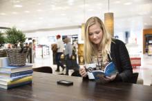 Västsvenskarna känner förväntan på flygplatsen