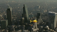 DHL hurtigere end myldretrafikken med Londons første helikopter-kurertjeneste