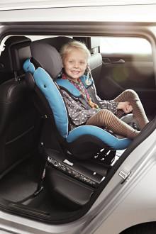 Utökad barnsäkerhet i nya Volkswagen Passat – första bilmodellen med nya bilbarnstolsreglementet i-Size