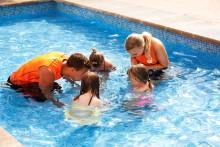 Ving utökar med simskola på fler Sunwing Family Resorts i sommar