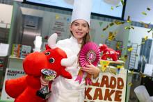 Amy Allegrini Hobson från Kumla bakar Sveriges godaste kladdkaka