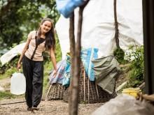Sex månader efter jordbävningen i Nepal: Tusentals barn är fortfarande i riskzonen