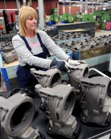 Full gas för fordonsleverantören GKN Driveline i Köping som producerar under hela industrisemestern!