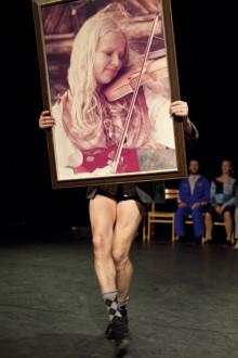 Skånes Dansteater ställer frågor om ursprung och tillhörighet