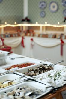 Högbo Brukshotell bjuder 75 hemlösa på både julbord och julstämning