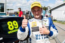 Clio-stjärnan Wernersson dubblerar – kör Clio Cup och RallyX-lites