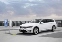 """Volkswagens nya laddhybrid Passat GTE utsedd till """"Årets smartaste bil"""""""