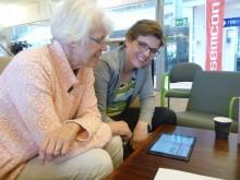 Linköpingspolitiker provade på robotprogrammering och spelutveckling vid PolitikerDojo i creActive Mjärdevi