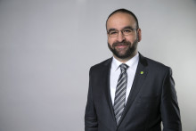 Bostadsminister Mehmet Kaplan medverkar på Hem, villa & bostadsrätt