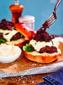Arla lanserar två nya hamburgerostar