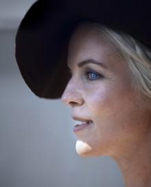 Sofia Karlsson signar med Sonet Grammofon/Universal Music och släpper album hösten 2014