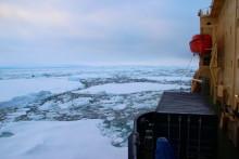 Lärare och konstnär till Arktis med isbrytaren Oden
