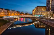 Spelande gångbro till Malmö Live