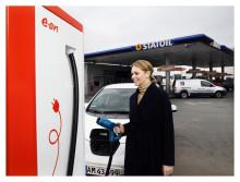 E.ON sætter strøm til hurtigladere på Statoils tankstationer