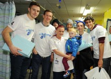 Birmingham City Football Club deliver gifts to poorly patients