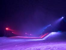 Unik ski park indhyldet i farverigt lys udvider ski oplevelsen i Åre
