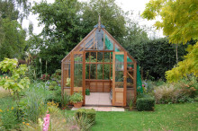 Underbara nya bilder på Gabriel Ash växthus i cederträ!