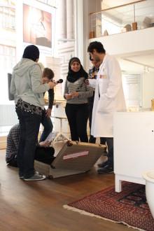 Prisbelönade väskor vill motverka diskriminering