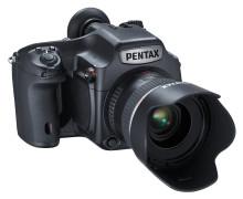 Pentax satser på stor sensor og 51,4 millioner pixler