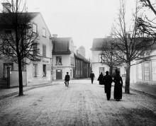 MÄNNISKAN OCH STADEN Hundra år av Uppsalafotografier 14 februari – 14 september 2014