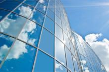 Tutkimus kertoo: Investoinnit pilviteknologiaan kasvussa