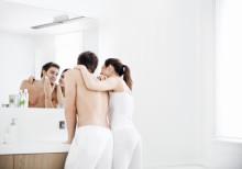Energiaa säästävän MyBathroom-valaistuskonseptin avulla kylpyhuone herää henkiin