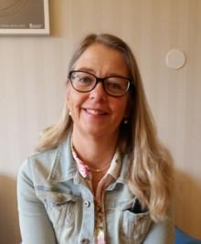 Specialpedagog Eva Grahn - Sundsvalls gymnasium - får månadens Kunskapsdrake, för ett mycket professionellt arbetssätt