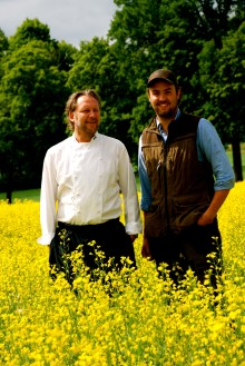 Villa Aske inleder samarbete med Signhildsbergs gård och producerar sin egen unika rapsolja.