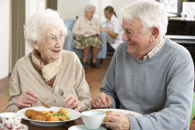 Nu blir det godare mat för pensionärerna