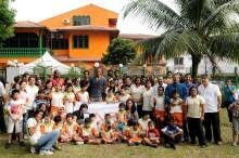 QNET welcomes Football Superstar KOMPANY to Malaysia