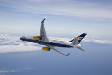 Icelandairin matkustajamäärä heinäkuussa ylitti Islannin asukasluvun