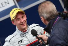 Övertygande seger för Ola Nilsson på Brands Hatch, Damon Hill tvingades bryta