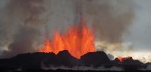 Håller daglig koll på den giftiga gasen över Island
