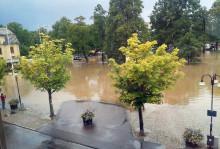 Kolla elen efter översvämningen