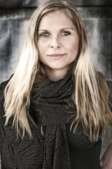 Författaren Elin Lindqvist föreläser i London om Fukushimakatastrofen