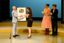 Guus Kuijer receives the Astrid Lindgren Memorial Award