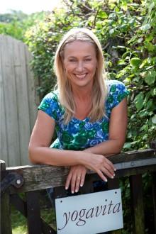 Yogaliv med Karin Björkegren Jones