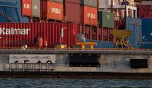 Helsingin sataman liikenne jatkui vireänä