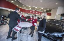 Avis øker satsningen på miljøvennlige biler