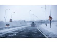 Suomen vaihtelevissa talviolosuhteissa nastarenkaat ovat turvallisin vaihtoehto