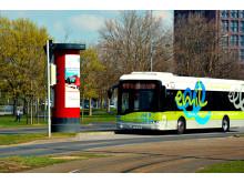 Bombardiers system för induktiv laddning av buss på elväg i Braunschweig, Tyskland
