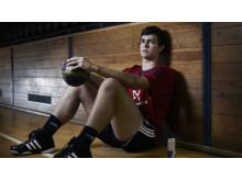 Red Bull er stolte sponsorer af den nylige EM-vinder i håndbold, Rasmus Lauge