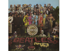 Plateomslag. Vinylens comeback.Sgt. Peppers' Lonely Hearts Club Band, 1967 av The Beatles Design: Peter Blake og Jann Haworth. Foto: Michael Cooper